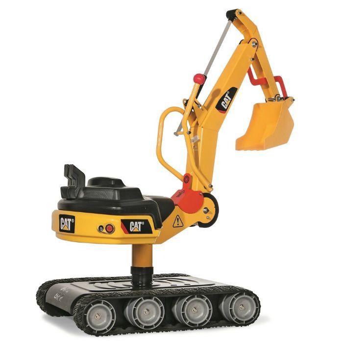 En extra stor grävmaskin i metall med larvband och grävskopa för barn att leka med i sandlådan.  Fakta Grävmaskin med larvband. Från ålder 3 år och uppåt ca. Mått: 96 x 45 x 87 cm. Vikt: 12,7 kg. Klarar belastning upp till 50 kg. Material: Metall och plast. Tillverkare: Rollytoys.  Detta är en officiellt licensierad Caterpillar™ produkt.