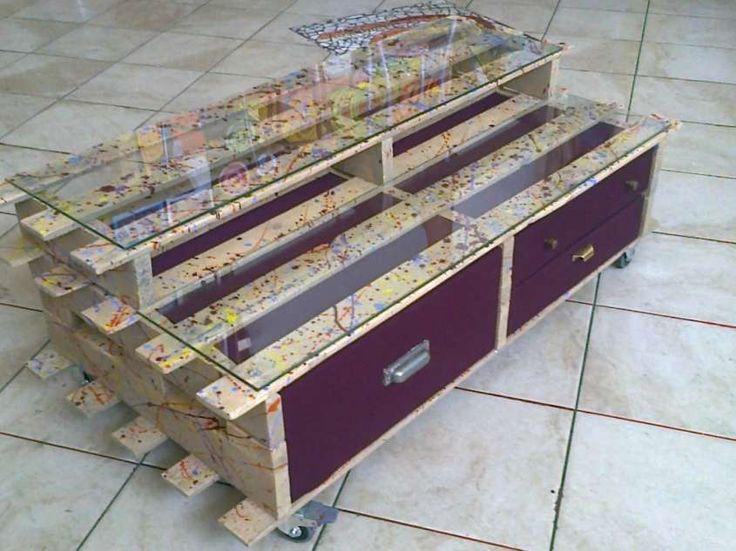 17 migliori idee su tavoli con pallet su pinterest - Mobili con bancali di legno ...