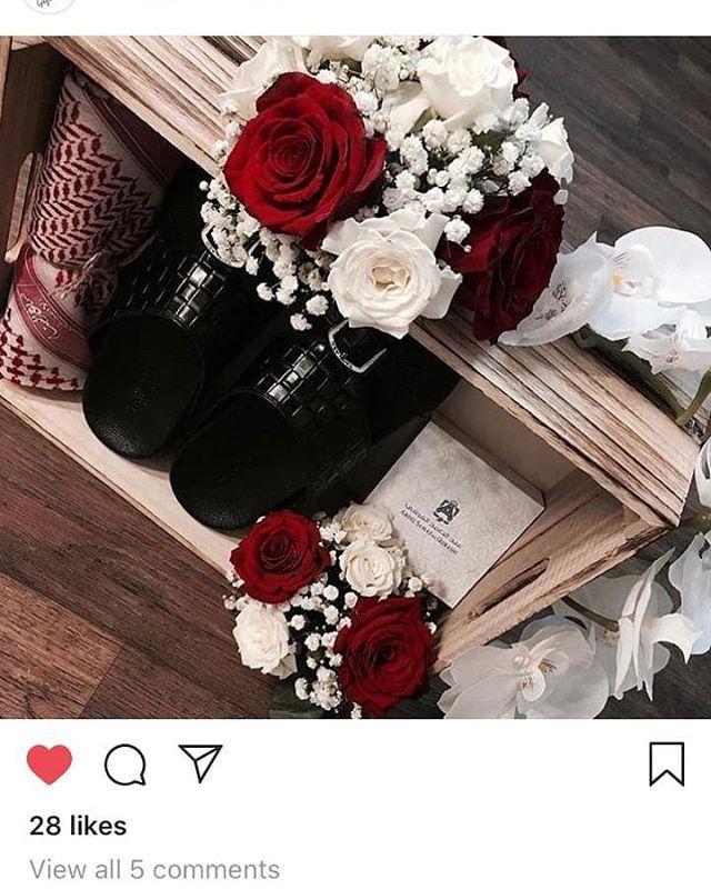 لشراء وتنسيق الهدايا متوفر بوكسات شتويه بناتي ورجالي للتسليم الفوري سعر البوكس 380 شامل التوصيل Babygiftshopq Babygiftshopq B Floral Wreath Floral Wreaths
