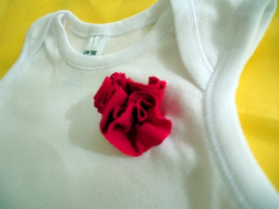 This Fancy onesie is made with jersey frills and a adorned with a beautiful flower. Fancy Onesie by keb4kids on Etsy