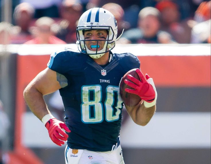 Anthony Fasano after securing a catch with the Tennessee Titans!