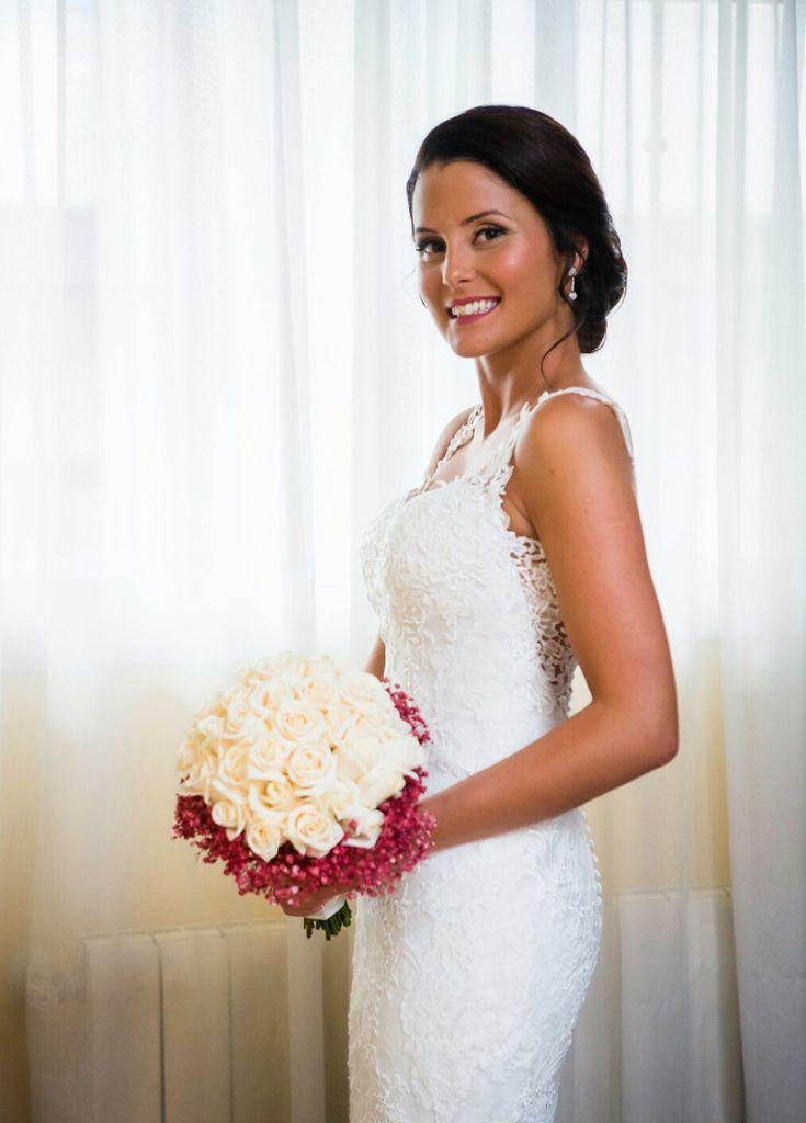 Empezamos el lunes con este fotón de Maribel!! Gracias guapa!!😍 #ramodenovia #ramotornasol #bodas2018 #bodasvalencia #bodasvalencia #wedding #bridalbouquet #vendela #asísímecaso #paniculata