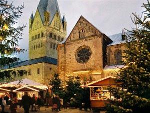 Christmas market in Soest/Germany. http://www.gorara.com/weihnachtsmarkt-in-soest/ Auch am Tag bietet der von Fachwerkhäusern und Kirchen umringte Soester Weihnachtsmarkt eine kräftige Portion weihnachtliche Romantik. Foto ...
