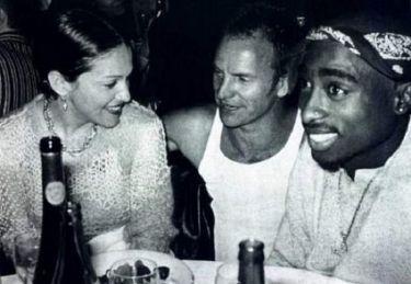 Мадонна, Стинг и Тупак Шакур мирно проводят время в баре, 1993 год.