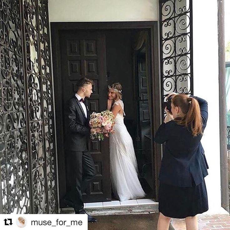 С добрым утром дорогие друзья!  Наши участники продолжают делиться моментами фестиваля!  Отмечайте нас на своих фотографиях   #Repost @muse_for_me with   #Backstage с воркшопа замечательного фотографа @tamaragigola на Stresa Wedding Festival Photo by @time_to_love_design  #weddingphotography #weddingphotographer #tamaragigolaworkshop #stresaweddingfestival #museforme #bridalhairstyle #scenarisposamilano #muse_for_me #museforme_vintagerose #museforme_work #museforme_inspiration