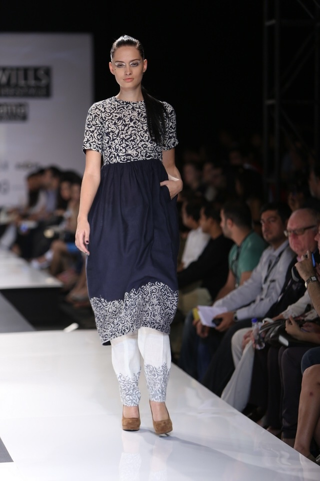 Scarlet Bindi - South Asian Fashion: Wills Lifestyle India Fashion Week Fall/Winter 2013: Day 4 & 5: Dev R Nil