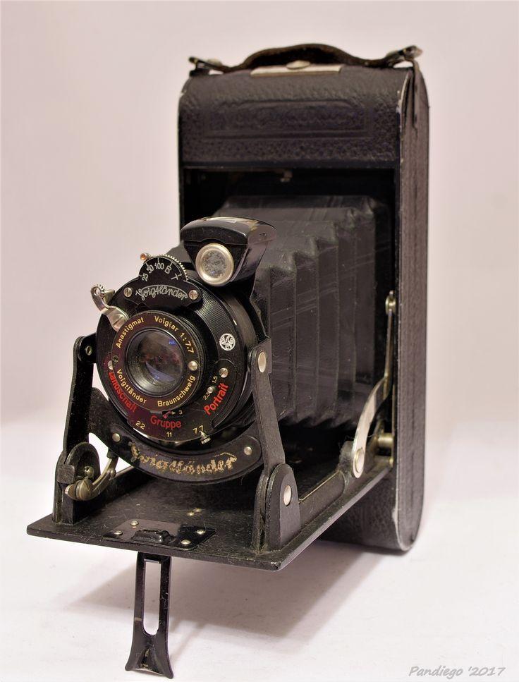 Voightlander Bessa Folding Roll film Camera - c1929