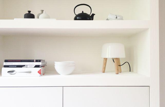 Mooie inbouwkast met Besta Ikea kastjes - klik op foto voor werkbeschrijving! HANDIG!