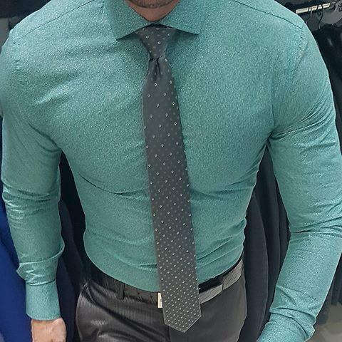 Camisas slim fit para todas as ocasiões!!!😍🎩😱😱😱 ✔✔Abriremos todos os domingos e feriados (Lojas de Rua 2 e 4 e no Shopping Plaza Osasco e Ibirapuera) Televendas Whatsapp 📲 (11) 99691-2247 Televendas ☎ (11) 2697-7727 Siga-nos @ternos_decinel 👈 follow @mr_jhoness 👈 OUTLET em Pinheiros com até 80% OFF ✔✔Trabalhamos com todos os tamanhos de terno do 42 ao 58 e também temos tamanhos especiais do 60 oa 80. #modamasculina #ternos #euusodecinel #ternoslim #alfaiataria #luxury #luxo #sobme...