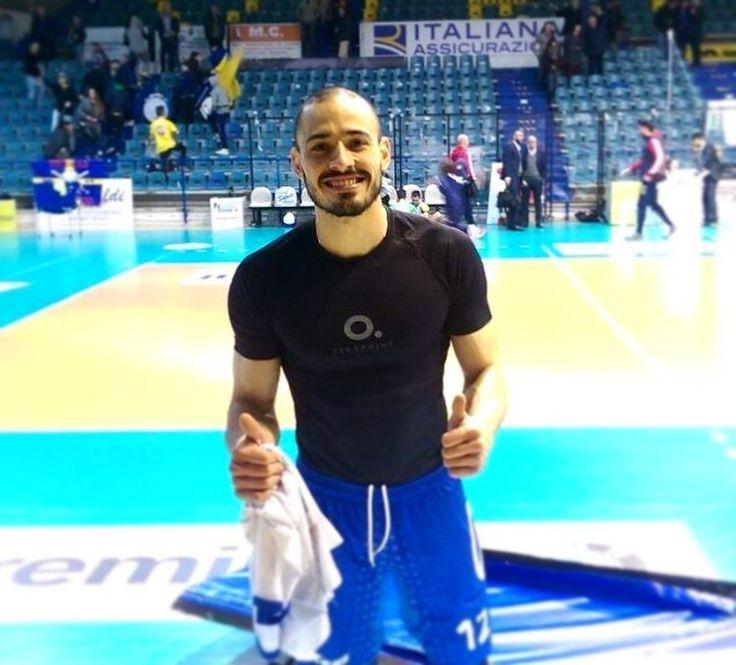 "108 gilla-markeringar, 5 kommentarer - ZEROPOINT (@zpcompression) på Instagram: ""We are proud supporters of pro-volleyball champ @d.maciel🏆 #zpcompression #zeropoint…"""