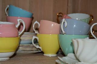 Poplap met 'n Stoflap: Uit my hoek/ From my corner Some of my vintage tea cups.