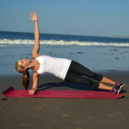 Side plank / tabla lateral. Great bikini body exercises. Excelente rutina para cuerpo de bikini. #bikini, #ejercicios, #rutinas, fitness, health & fitness, shape, workout
