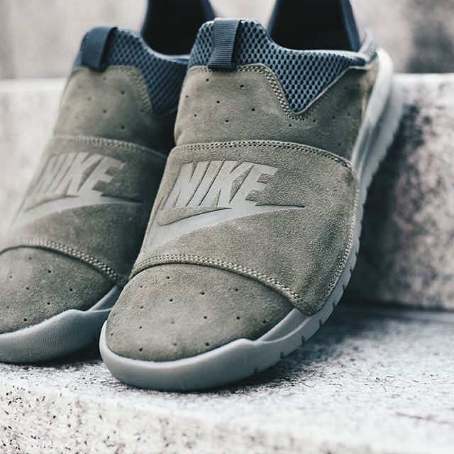 64389b9af6a4 Nike Benassi SLP