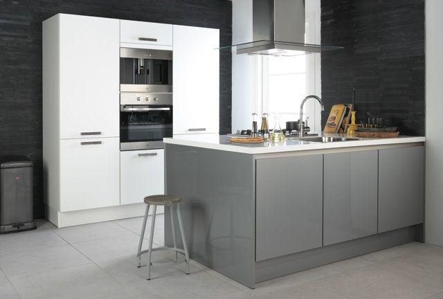 Bruynzeel Pallas keuken in het metallic grijs hoogglans greeploos