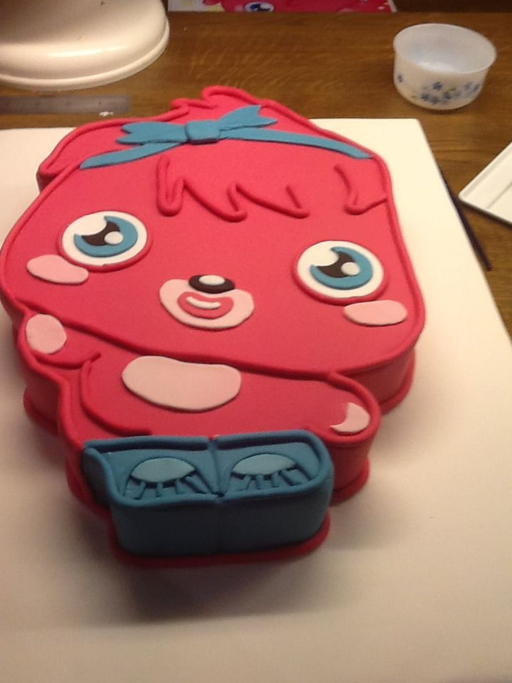 Moshi Monsters themed cake