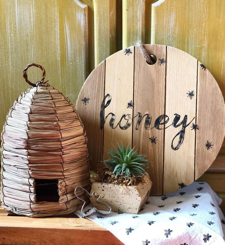 Farmhousehome Decorating Ideas: Honey Bee Decor Is In Full Swing Over At My Shop! Buzz On