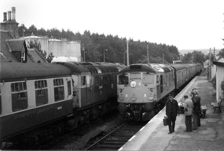 26042 crosses another 26 at Lairg August 1978. Rob Newman