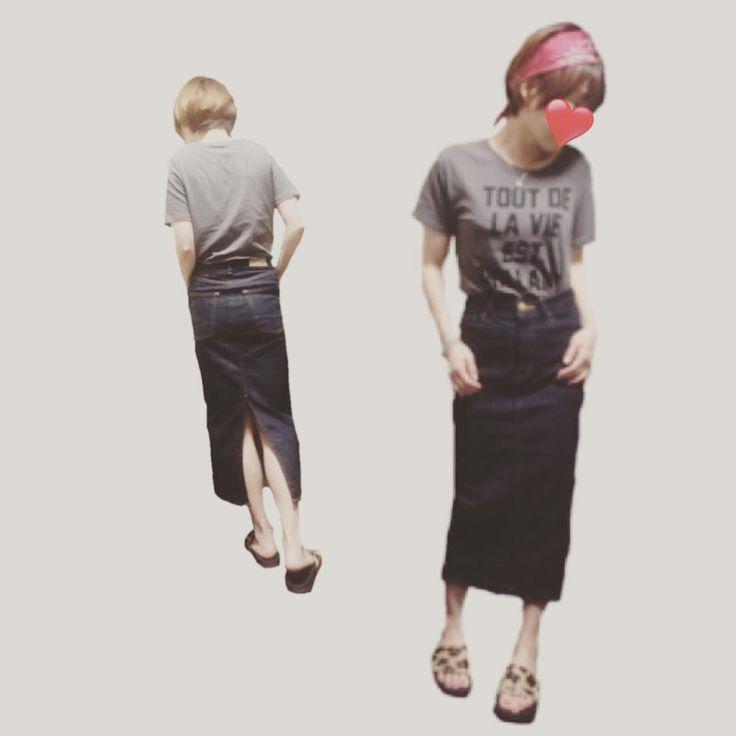 today◡̈⃝ ✰ たまにはスカートも ストレッチ入りでめちゃくちゃ 穿きやすいやつ✨ ✰ ガニ股矯正にも ✰ ✰ ✰ tops#journalstandard skirt#moussy shoes#adidas bandanna#manipuri ・ ✰ ✰ #ジャーナルスタンダード#マウジー#アディダス#アディレッタ#バンダナ#マニプリ#レオパード#デニムスカート#インディゴ#カジュアルコーデ#今日のコーデ#今日の服#fashion#ootd#outfit#denim#indigo#adilette#데일리룩#오오티디