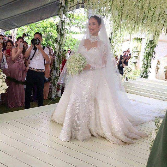 7 best Wedding Dress images on Pinterest   Wedding dressses ...