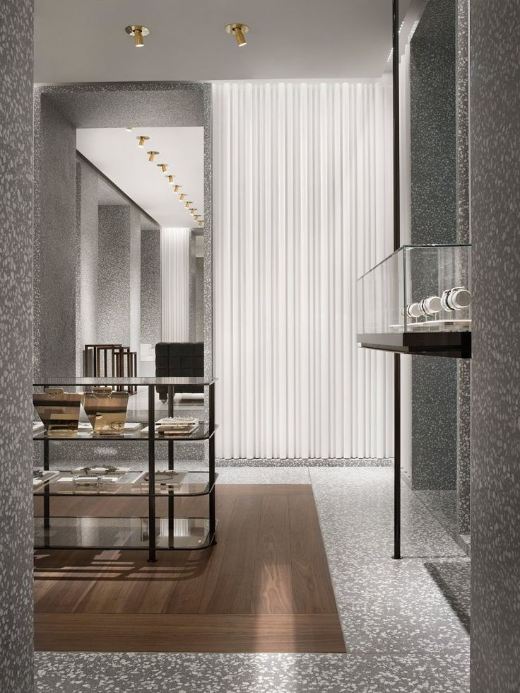 Classical elegance with modern materials. The Valentino concept store in Milan by David Chipperfield.