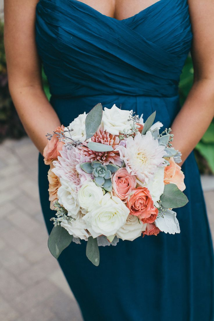 Pretty blooms and hues | Vintage Wedding in Wheaton, Illinois from Chrystl Roberge Photography  Read more - http://www.stylemepretty.com/illinois-weddings/2013/08/20/vintage-wedding-in-wheaton-illinois-from-chrystl-roberge-photography/