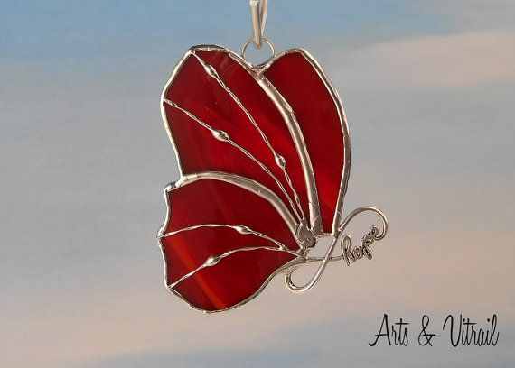 Papillon en vitrail rouge   Corps HOPE infinity  4 par ArtsVitrail