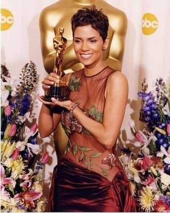 """746h Annual Academy Awards: The Oscars that inspired me to get a """"Halle Berry"""" pixie cut"""