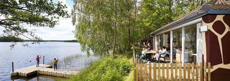 Met toegang tot het Safaripark Beekse Bergen is deze speciale kidsbungalow voor grote gezinnen met 6 personen voor iedereen een mooie vakantiebestemming.