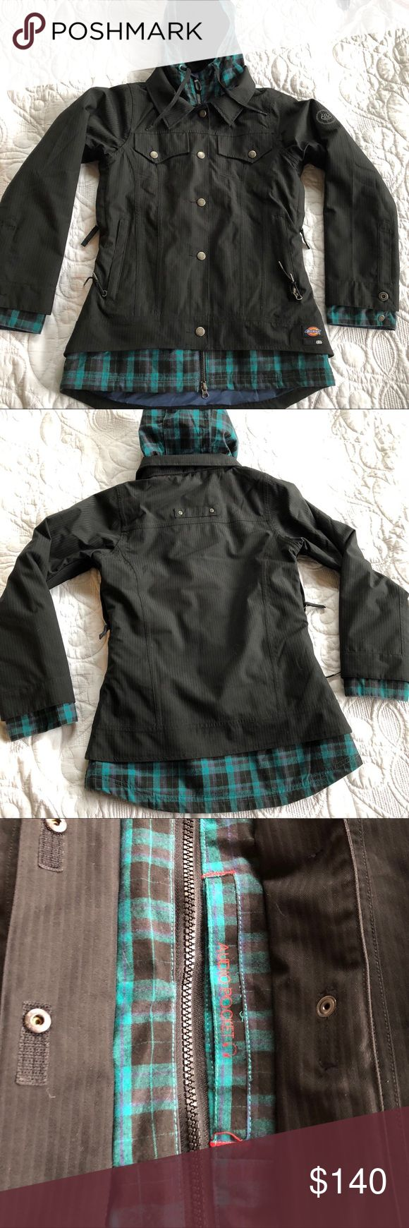 686 snowboarding jacket black/ teal plaid accents Xs women's snowboarding jacket. Black , with teal plaid. There are Darker back stripes on black part. No stains not tares. Like new. Selling the pants that match/ bundle those and I will send a non obligated offer 👍🏻😆 686 Jackets & Coats