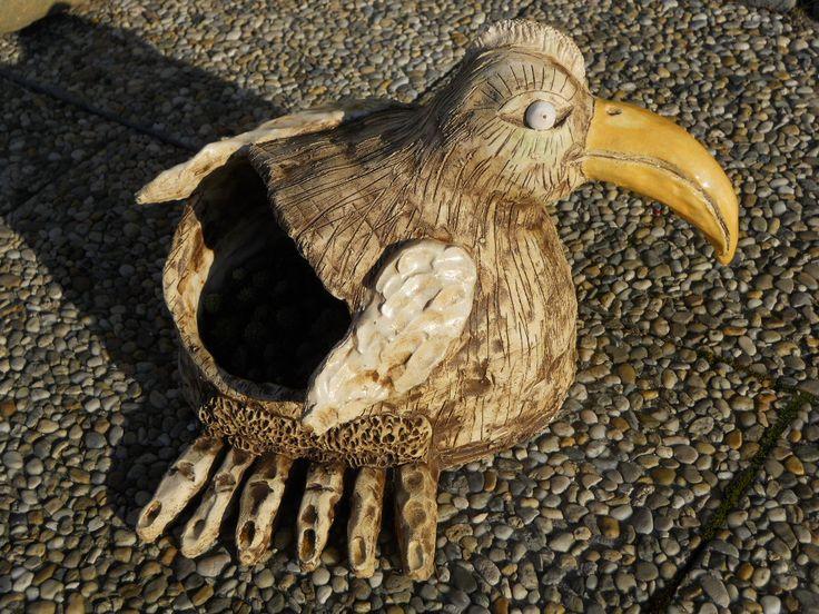 """Pták """"Rosomák"""" květináč na netřesky keramika"""