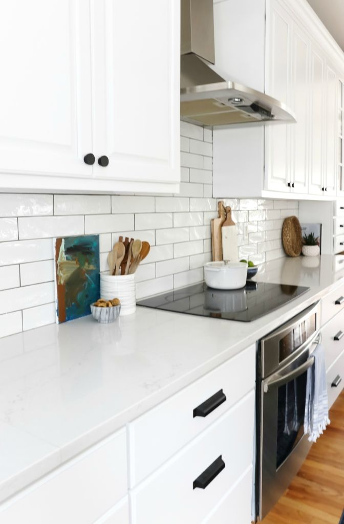 Earthy Coastal White Kitchen Reveal Small Kitchen Makeovers Kitchen Kitchen Countertops