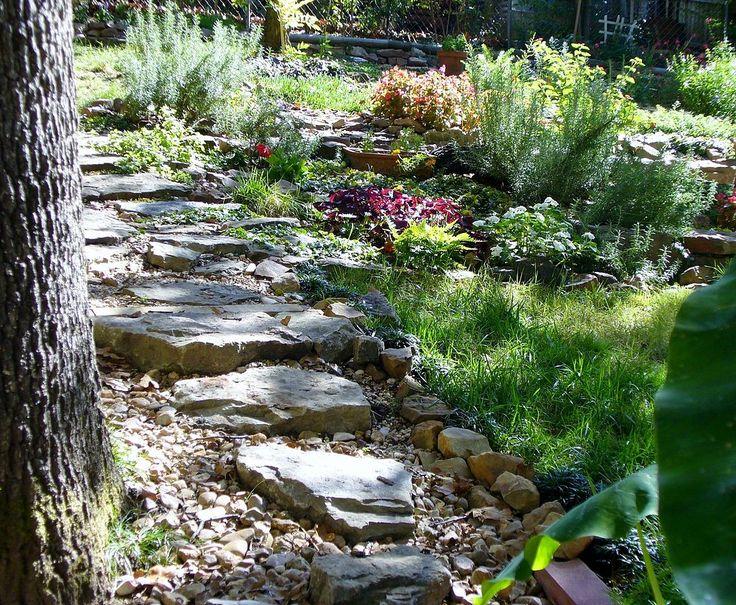 Meer dan 1000 idee n over hellende tuin op pinterest tuinen hellende achtertuin en keerwanden - Tuin hellende ...