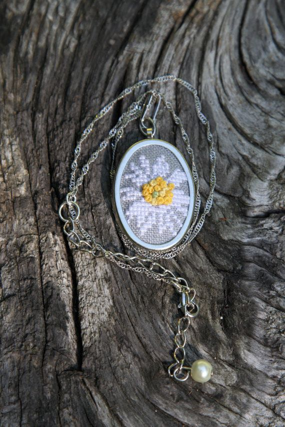 Daisy necklace - Embroidered necklace - Flower necklace - White and yellow - Botanical necklace - 5th anniversary gift - White flower - Gift