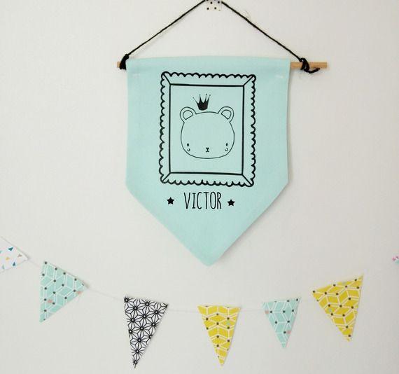 Bannière fanion plaque de porte vert mint - Prénom personnalisé garçon - modèle ours - chambre enfant - décoration murale