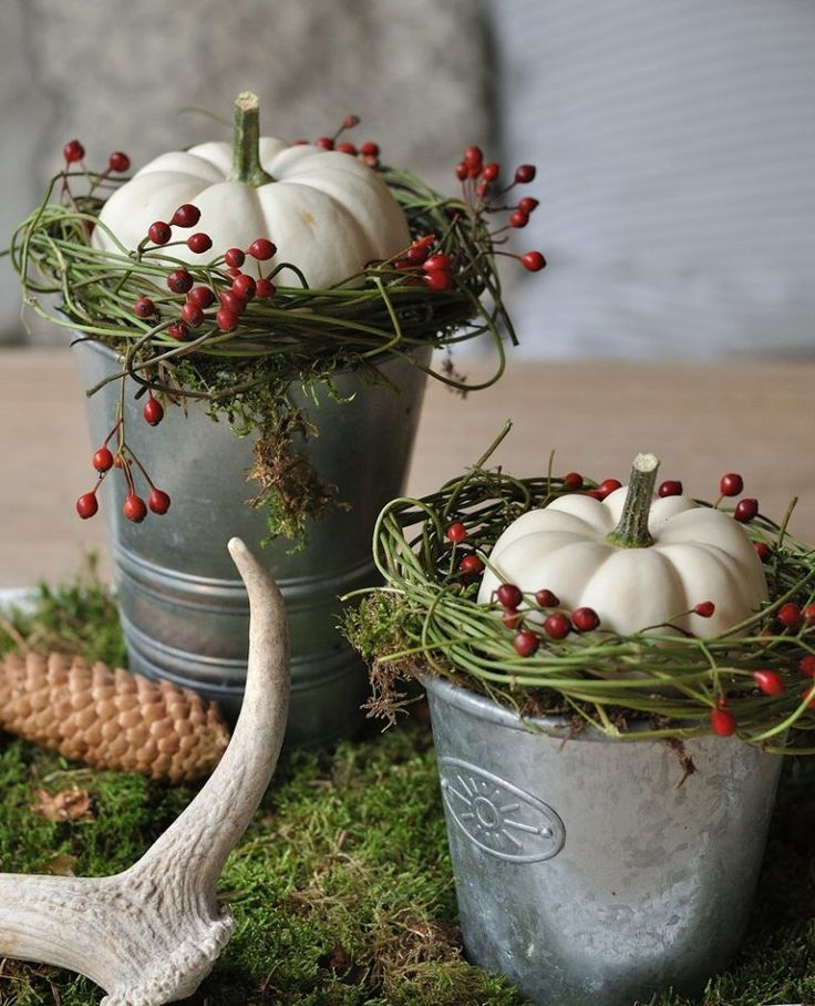 DIY natural deco in autumn with natural materials