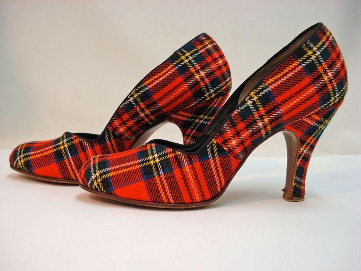 Vivid red 1940s plaid heels - love!!! #vintage #fashion #shoes