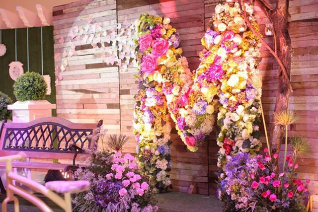 Lush Blooms In Pastel Hues Made This Debut A Dreamy Affair
