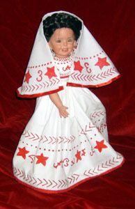Muñeca con traje típico de Colima, México