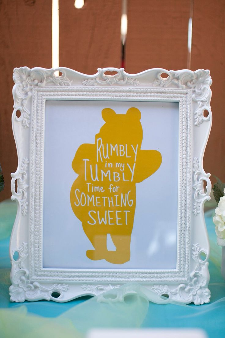 Winnie the Pooh Candy table decor