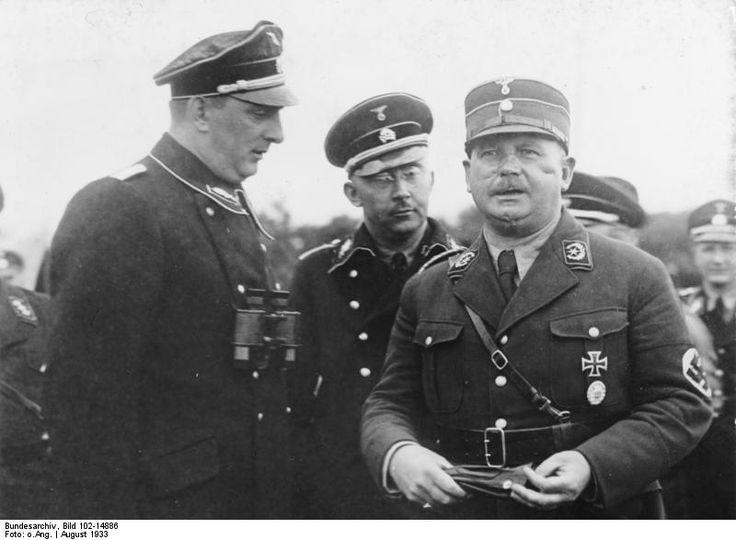 SA-Stabschef Ernst Rohm (Right), Reichsführer-SS Heinrich Himmler (Center) und SS Oberstgruppenfuhrer und Generaloberst der Polizei  Kurt Daluege (Left)