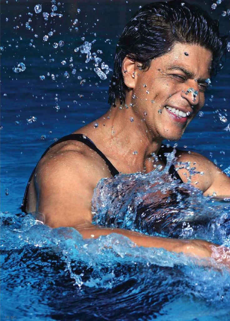 Shahrukh Khan - See that smile? Just one of the many reasons why he's one of my favorite actors!