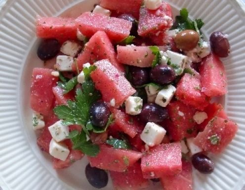 Tel-Aviv-Salat (Salat mit Melone, Schafkäse und Oliven) - Rezept - ichkoche.at