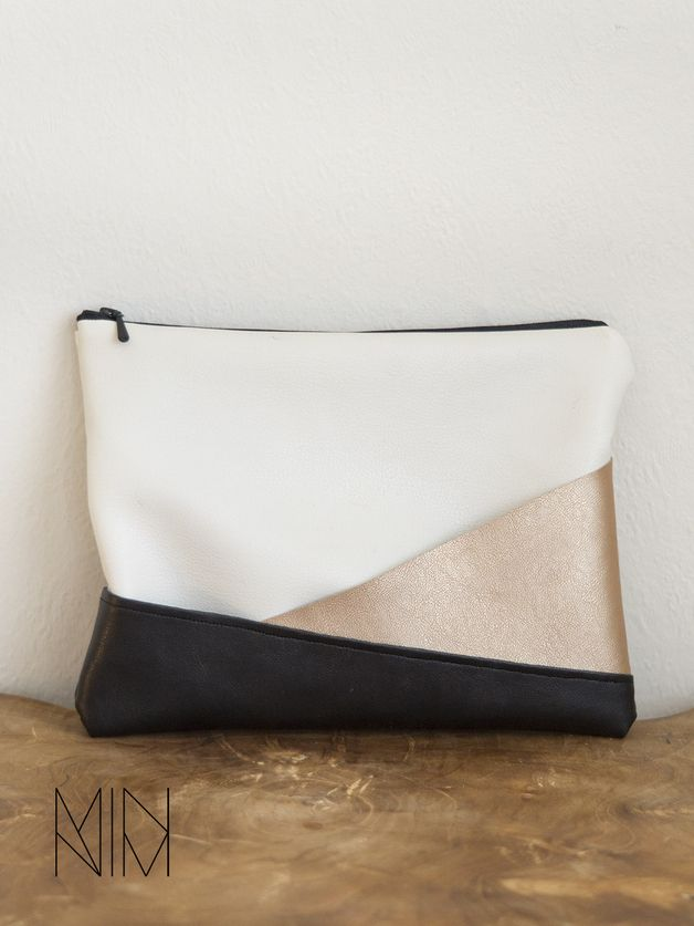 Kunstleder Schminktasche mit geometrischen Design // small bag with geometric design, fake leather via DaWanda.com