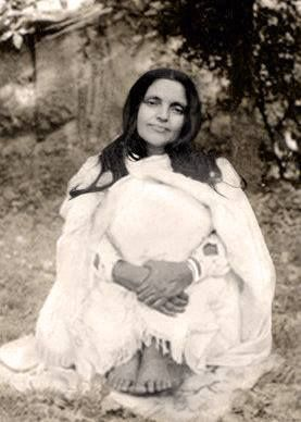 """ God gives us 24 hours a day , can't we give Him fifteen minutes of quiet meditation ?"" Sri Anandamayi Ma:"