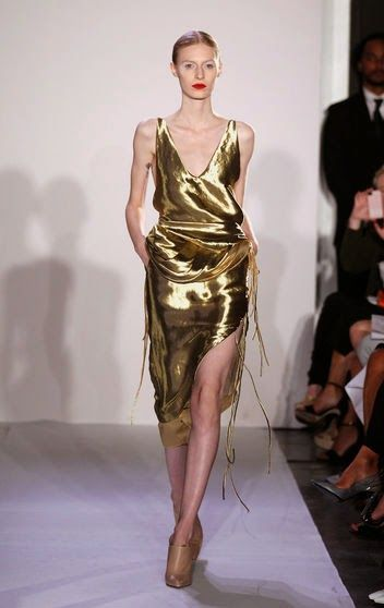 What to wear on New Year's Eve - FANCY PARTY - GO GOLD! Altuzarra metallic gold 2014