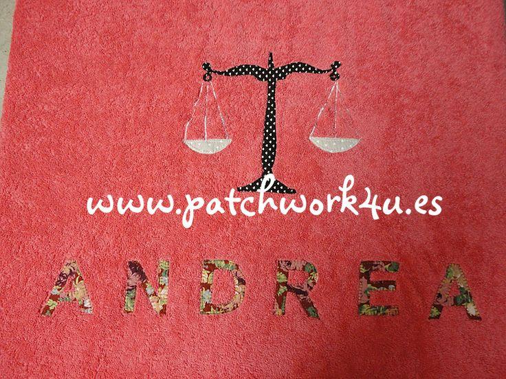 Si estáis buscando regalos personalizados y originales en #Patchwork4U los podéis encontrar, como por ejemplo este regalo tan original que se le hizo a Andrea, una toalla de baño con su nombre, y un dibujo de la Balanza De La Justicia, ya que Andrea es una estudiante de derecho.  Si quieres hacer un hacer un regalo divertido, original y personalizado, no esperes más y visita nuestra web: www.patchwork4u.es ¡¡Te esperamos!!
