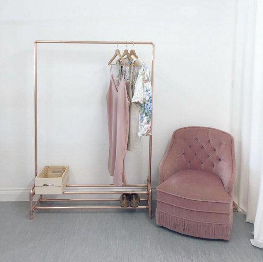 die besten 25 rohr kleiderst nder ideen auf pinterest. Black Bedroom Furniture Sets. Home Design Ideas