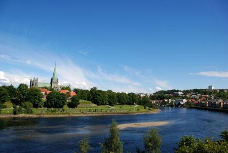 Trondheim Travel Guide: Nidarosdomen