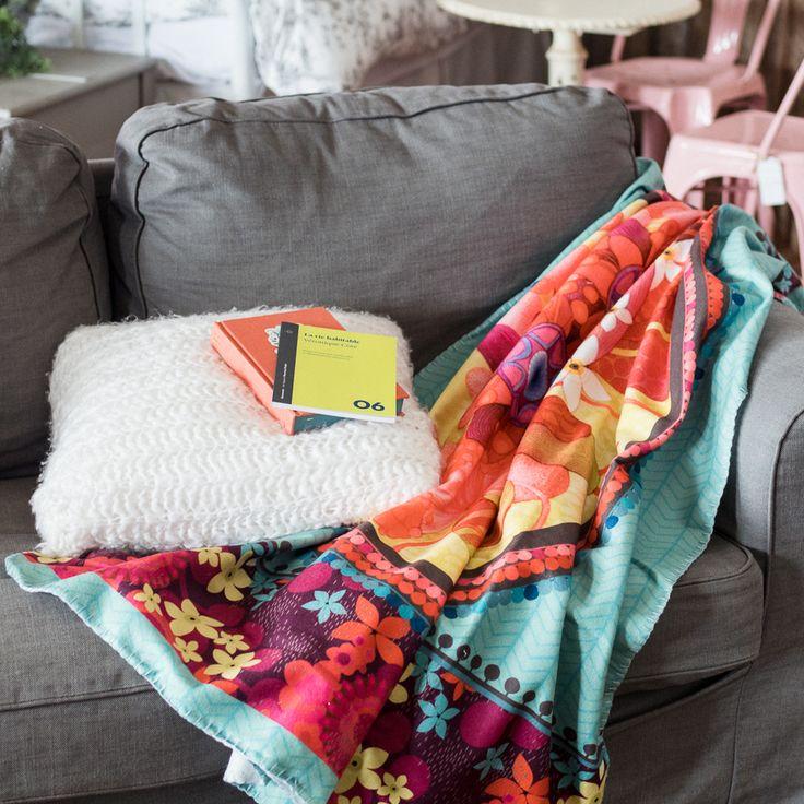 Couverture Dame en Bleu KETTO Blanket Blue Lady // Couverture en molleton polaire. Poignée pour transport. // Fleece blanket. Wrist for transport. // #Couverture #Blanket #Ketto