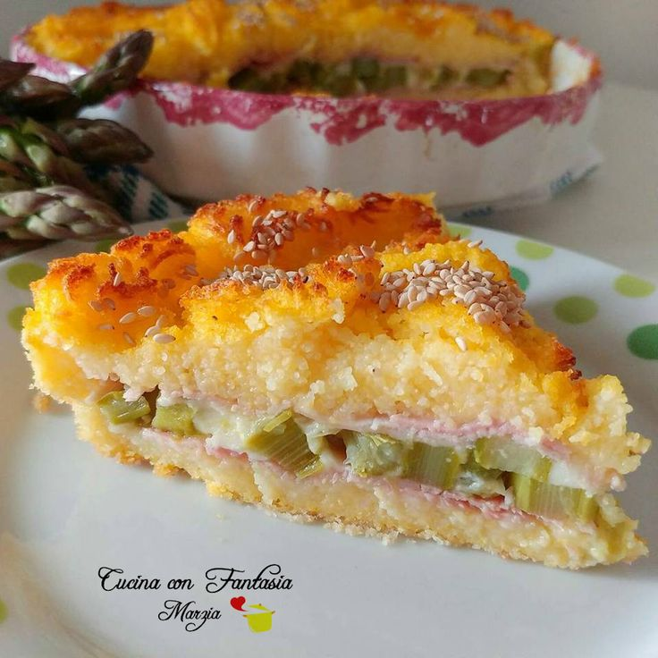 Crostata di polenta con asiago, asparagi e prosciutto cotto
